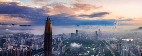 一个人,一座城,一部中国近十年发展史